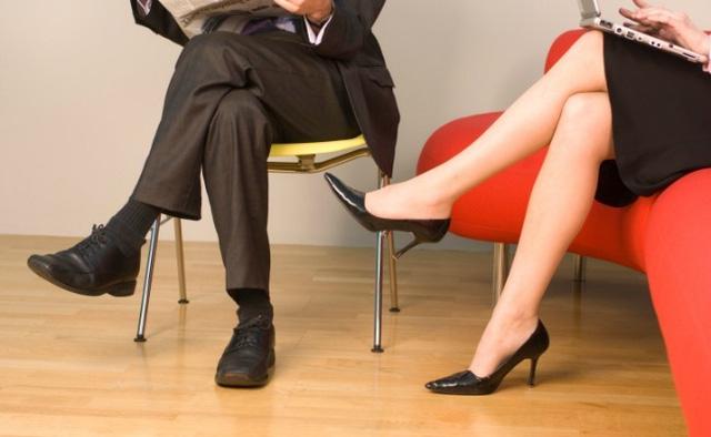 Bạn sẽ không muốn ngồi vắt chéo chân nữa sau khi đọc bài viết này - Ảnh 3.