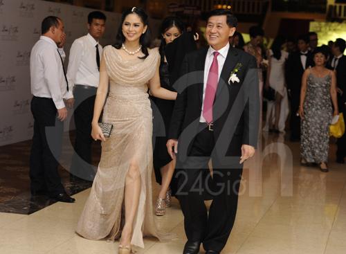 Mẹ chồng Hà Tăng khoe vẻ đẹp không tuổi tác 8