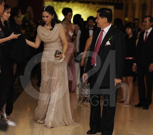 Mẹ chồng Hà Tăng khoe vẻ đẹp không tuổi tác 10