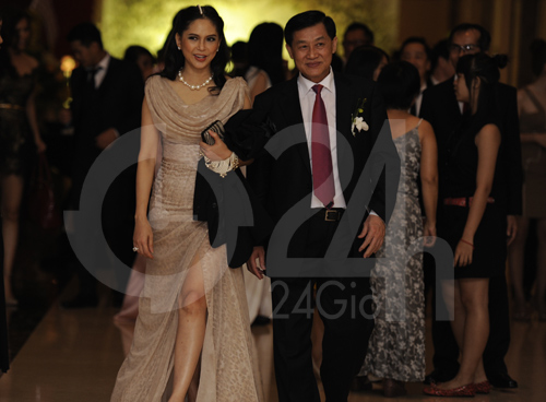 Mẹ chồng Hà Tăng khoe vẻ đẹp không tuổi tác 12