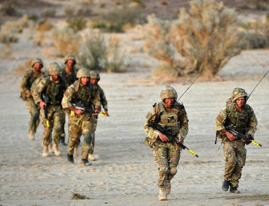 Đặc công Anh tập trận Cá Sấu Đen tại sa mạc Mỹ 21
