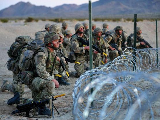 Đặc công Anh tập trận Cá Sấu Đen tại sa mạc Mỹ 23