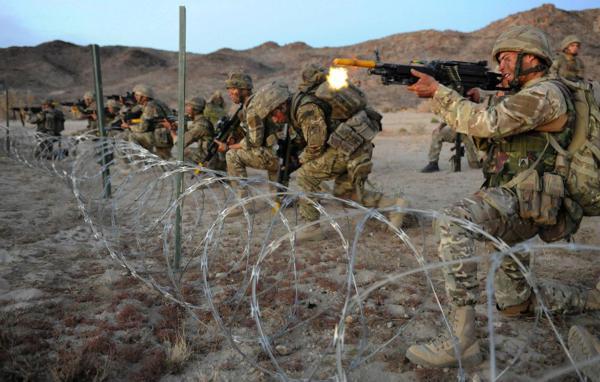 Đặc công Anh tập trận Cá Sấu Đen tại sa mạc Mỹ 24