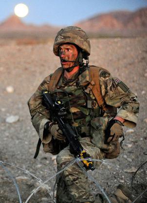 Đặc công Anh tập trận Cá Sấu Đen tại sa mạc Mỹ 26