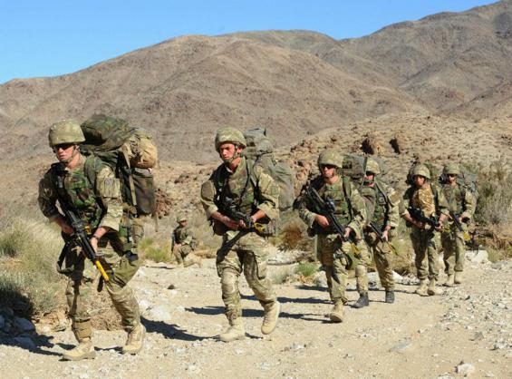 Đặc công Anh tập trận Cá Sấu Đen tại sa mạc Mỹ 12