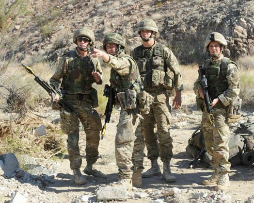 Đặc công Anh tập trận Cá Sấu Đen tại sa mạc Mỹ 14