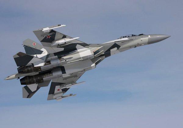 Su-35 được trang bị thêm hệ thống điện tử mới giống như máy bay chiến đấu thế hệ thứ 5.
