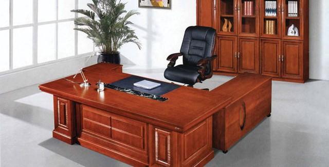"""Đặt bàn làm việc ở cung """"quý nhân phù trợ"""""""