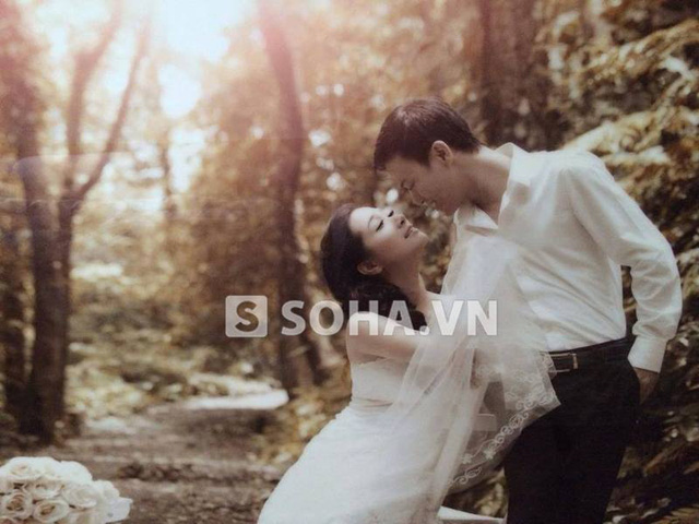 Tấm ảnh cưới bị rò rỉ của 2 người.