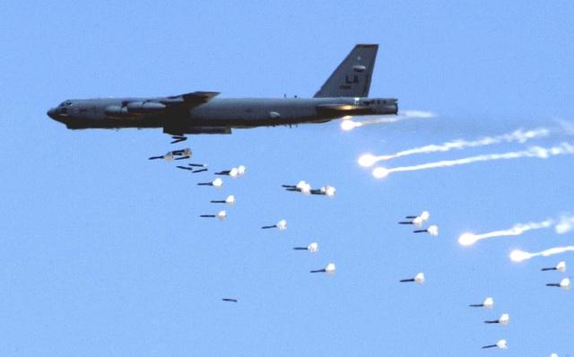 Bị B-52 rải thảm và hành trình tìm kiếm kíp xe tăng T-59 trúng bom: Cái kết ấm áp