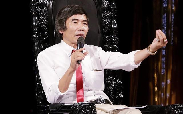 """Tiến sĩ Lê Thẩm Dương: """"Vô cảm là bệnh của toàn xã hội công nghiệp này rồi"""""""