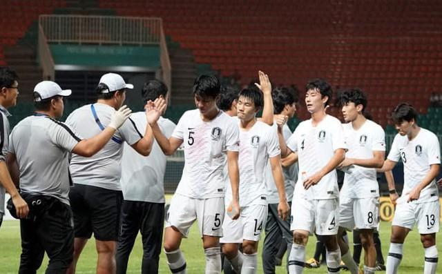 Sai lầm ngay phút thứ 2, Hàn Quốc cay đắng nhìn đối thủ lên ngôi theo kịch bản nghẹt thở