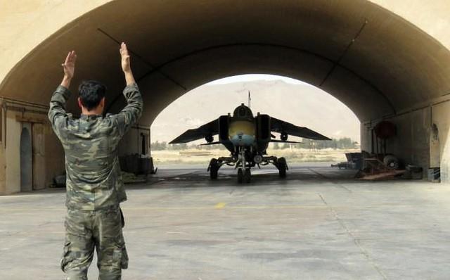 Syria bất ngờ cấm Iran sử dụng nhà chứa máy bay quân sự