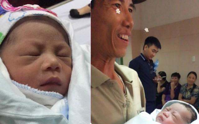 Gần 10 năm chờ đợi, ông bố 47 tuổi vừa bế con trai ra khỏi phòng mổ, cả nhà đã bật khóc