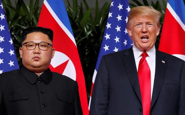 TT Trump cảm thấy ngốc nghếch khi lăng mạ ông Kim Jong-un là 'Người tên lửa nhỏ' 1