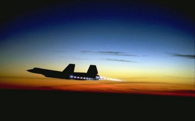 Siêu máy bay do thám Mỹ: Thoát hiểm hàng nghìn vụ tấn công tên lửa trong suốt 24 năm