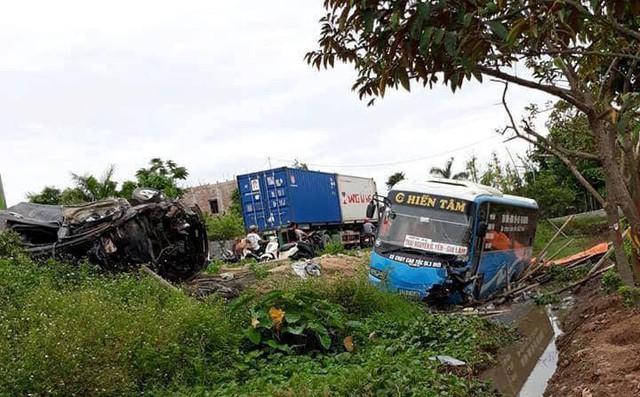 Xác định nguyên nhân vụ tai nạn liên hoàn khiến 2 người tử vong 1