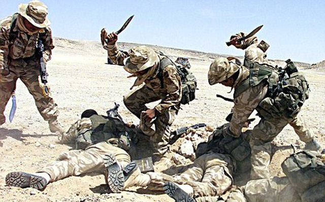 """""""Đội đặc nhiệm 1m6"""" bảo vệ Thượng đỉnh Mỹ-Triều: Siêu chiến binh, dao đã rút ra là phải dính máu"""