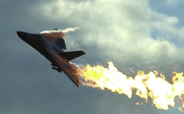 Phát bắn thần kỳ của tên lửa VN:
