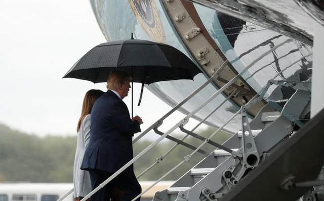 """Trump: Dù """"được tặng"""" cả Moscow thì tôi vẫn bị """"ném đá"""""""