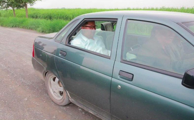 Chán xe bọc thép, ông Kim Jong-un sử dụng chiếc xe cũ đi thị sát biên giới 1