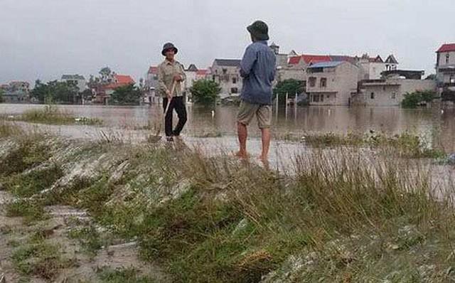 Hà Nội: 2 chị em gái đuối nước thương tâm ở