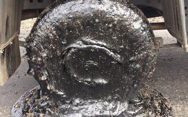 Úc: Nóng tới nỗi nhựa đường chảy nhão phá hỏng bánh xe