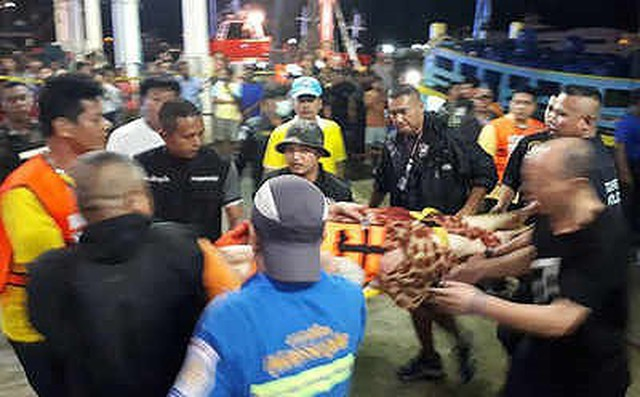 Thái Lan: Tàu chở khách du lịch Trung Quốc bị lật, 49 người mất tích 1