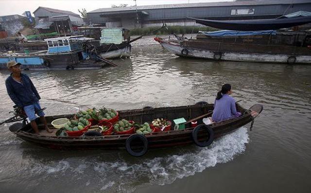 Trung Quốc đang âm thầm thôn tính Mekong bằng cả cây gậy và củ cà rốt