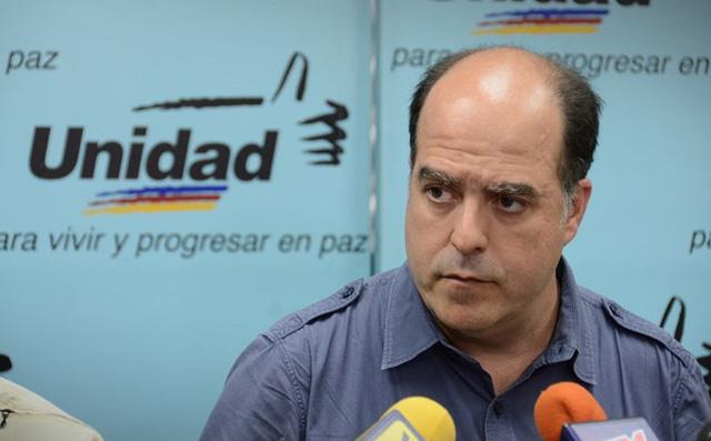 Venezuela ra lệnh bắt cựu Chủ tịch Quốc hội liên quan vụ tấn công Tổng thống Maduro