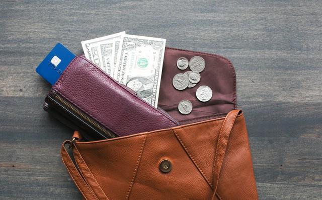 """Thầy phong thủy chỉ ra 5 việc cần làm nếu không muốn tiền """"rơi"""" khỏi ví"""