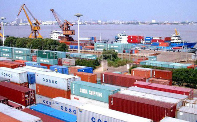 Kim ngạch xuất nhập khẩu Việt Nam gần đạt 400 tỷ USD