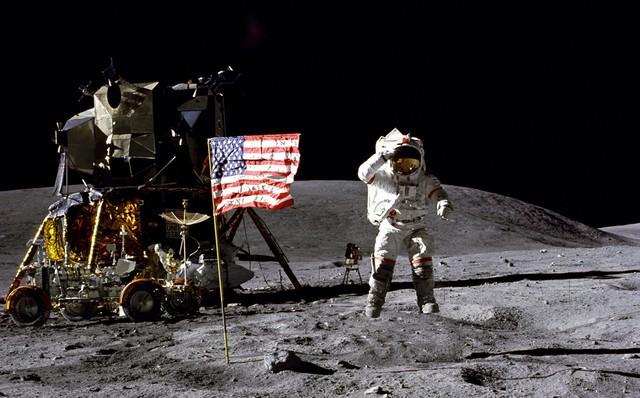 Vì sao có đến 76% người Nga không tin rằng người Mỹ đã đổ bộ lên Mặt trăng?