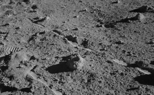 Đây có thể là tảng đá cổ nhất Trái Đất và nó đến từ... Mặt Trăng?