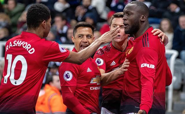 Dụng binh như thần, Solskjaer giành chiến thắng thứ 4 liên tiếp cùng Man United