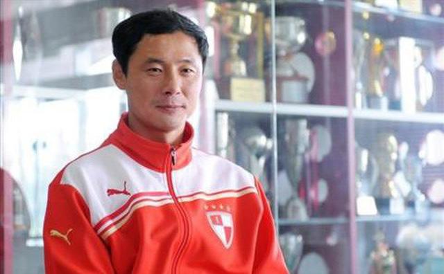Hé lộ danh tính HLV sẽ thay thầy Park cầm U23 Việt Nam