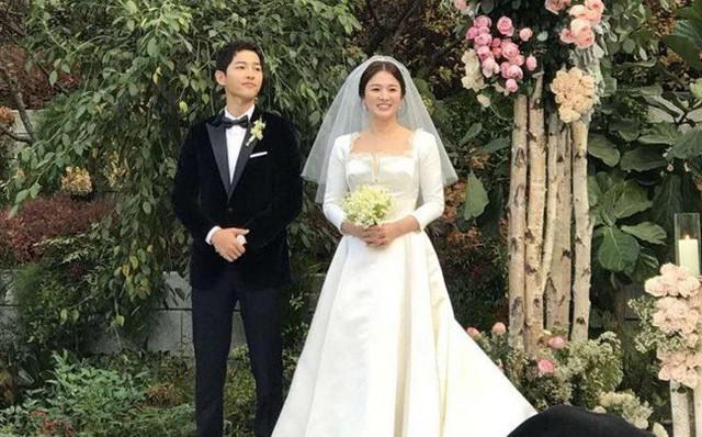 Song Hye Kyo và Song Joong Ki lúc mới cưới.