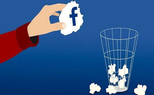 Những thông tin bạn cần xóa ngay trên Facebook để tránh những rủi ro 'trên trời rơi xuống'