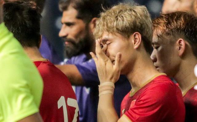 Con trai thầy Park lên tiếng bảo vệ Công Phượng sau khi sút hỏng 11m: