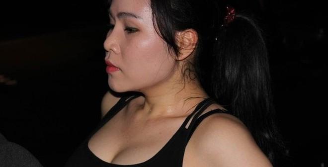 """Góc khuất """"tê tái"""" của diễn viên lùn nhất showbiz Việt"""