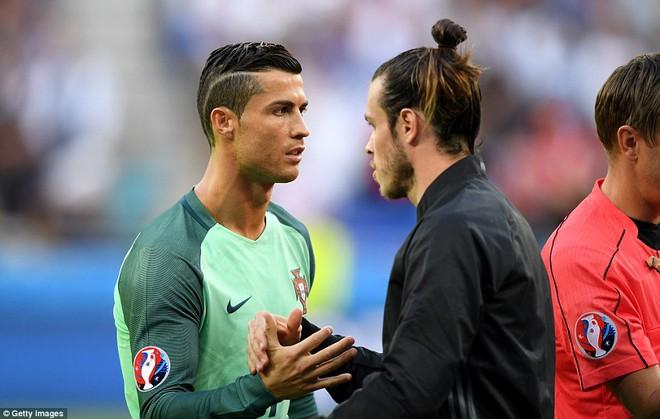 Bồ Đào Nha 2-0 Wales: Phi thường, Ronaldo! - Ảnh 10.