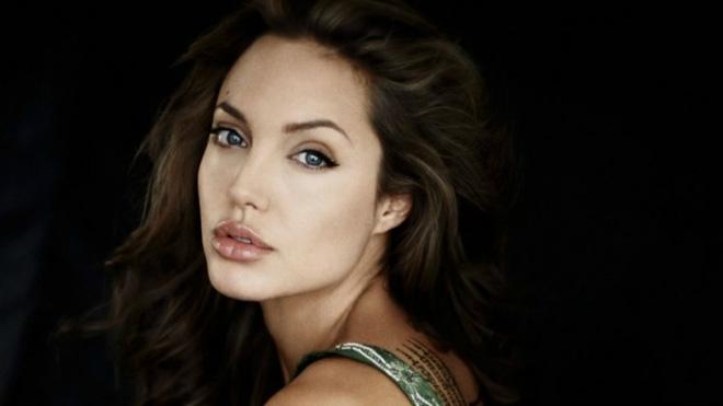 Angelina Jolie và Brad Pitt: Bỗng một ngày ta... chán nhau - Ảnh 4.