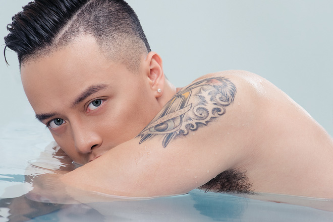 Cao Thái Sơn tung ảnh nóng bỏng sau khi lệnh cấm nude được gỡ bỏ - ảnh 6