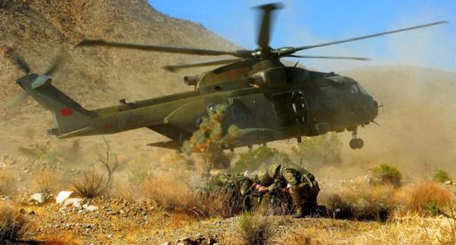 Đặc công Anh tập trận Cá Sấu Đen tại sa mạc Mỹ