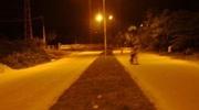 Đi trên QL1 buổi tối, cô gái bị người đàn ông đeo khẩu trang áp sát, sờ mó