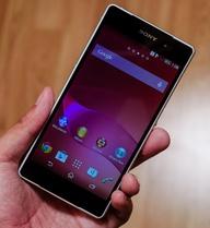 Xperia Z2 quyết đấu Galaxy S5: Kẻ tám lạng, người nửa cân