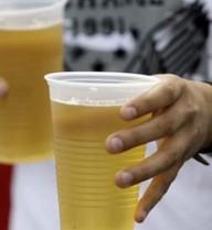 """Trung Quốc mở lễ hội """"nhậu thả ga"""" trước tháng chay Ramadan"""