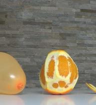 """Đừng bao giờ cho trẻ chơi bóng bay khi đang ăn cam quýt, đây là lý do nhiều người """"mù tịt"""""""