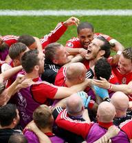Bale và đồng đội ăn đủ nếu đánh bại Anh