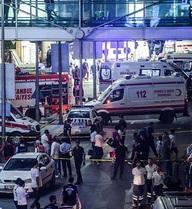 Sân bay Thổ Nhĩ Kỳ bị tấn công khủng bố, người chết la liệt